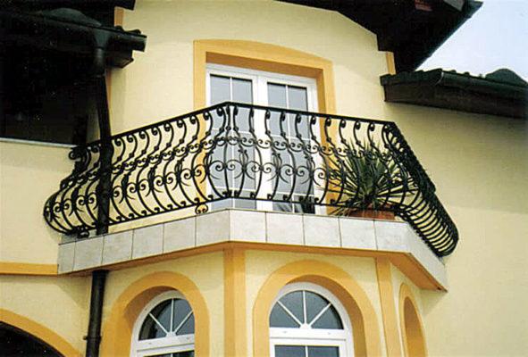 Kovane balkonske ograje