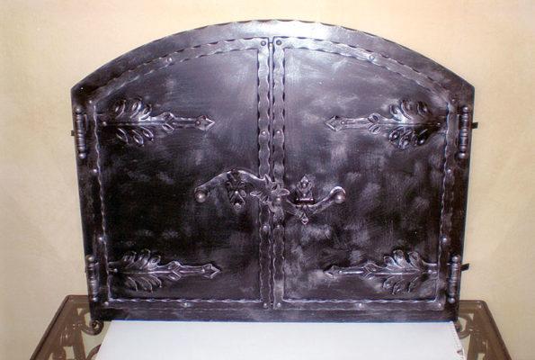 Kovani izdelki - vrata za kamin