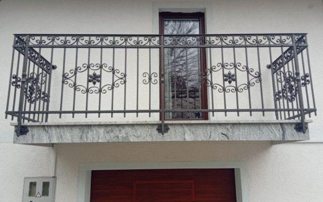 Balkonska kovana ograja