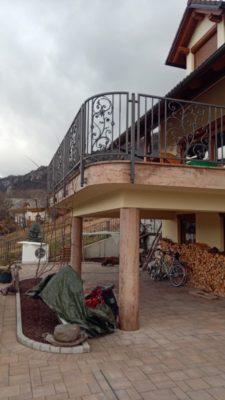 Balkonska ograja kovana