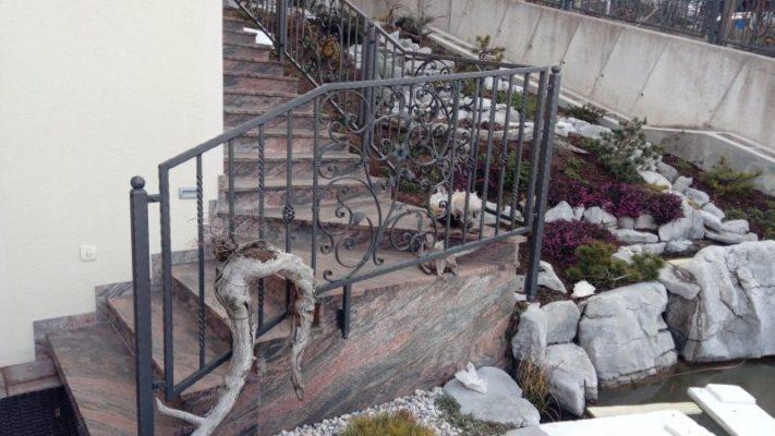 Stopniščna ograja zunaj